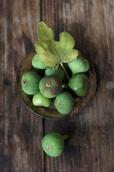 Food styling, food photography, still life raw green figs