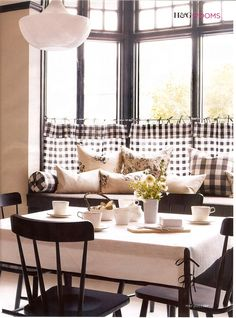 patio decor in black and white   Color Theory: More Black and White « Decor Arts Now