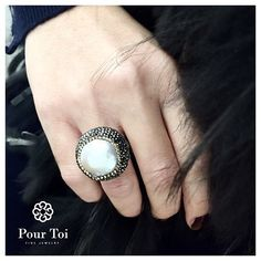 Baroque Pearl Ring - one of our new statement rings available online ✨   #pourtoijewelry#jewelry#ring#pearl#gift#idea#sterlingsilver#igersvienna#fashion#xmas