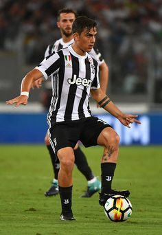 Juventus's forward from Argentina Paulo Dybala controls the ball during the Italian SuperCup TIM football match Juventus vs lazio on August 2017 at the Olympic stadium in Rome. Juventus Fc, Juventus Players, Messi, Neymar, Soccer Players Hot, Soccer Guys, Football Match, Chloe Grace, Fifa