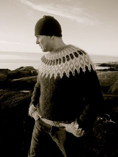 Icelandic crime author Stefán Máni modeling my design Óðinn. The pattern is available on Craftsy and Ravelry and you get two versions - bottom up and top-down. Whoop!