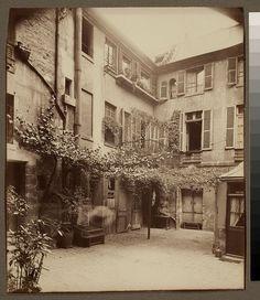 Cour de Rouen (boulevard St. Germain) - Eugène Atget