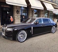 Rolls Royce Limo, Rolls Royce Motor Cars, My Dream Car, Dream Cars, Rolls Roys, Rolls Royce Cullinan, Rolls Royce Phantom, Classy Cars, Best Luxury Cars
