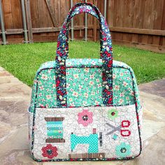 Weekender bag ...cute one!!!  Would use to store and transport my sewing machine.