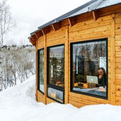 Living in an Eco-Friendly Yurt | A pair of environmentalists take their green lifestyle beyond the grid