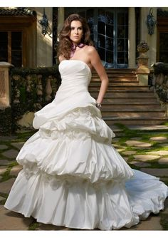 Perfect Silk Ball Gown Strapless Wedding Dress with hand-made Flowers