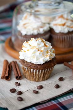 Pumpkin Spice Latte Cupcakes- holy crap need to make these, sorry to all my loved ones who may be dieting!