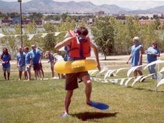 Field Day games that can be done in mins Field Day Activities, Field Day Games, Beach Activities, Easter Activities, Camping Activities, Indoor Activities, Fun Games, Party Games, Games For Kids