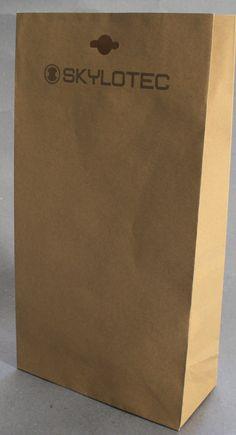 Bei den Papiertaschen ist wirklich jedes Sonderformat möglich und diese können wie hier auch mit einer Eurolochung bestückt werden Paper Shopping Bag, Bags, Make It Happen, Handbags, Dime Bags, Lv Bags, Purses, Bag, Pocket