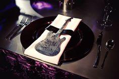 festa-de-casamento-prato-talheres-rock-n-roll