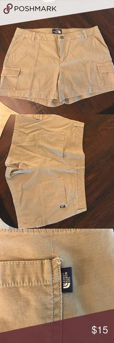 The North Face Paramount II Short Never worn The North Face Paramount II Short. Great condition The North Face Shorts Cargos