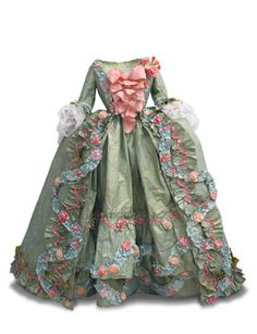 18th century costume. Created for Pret-a-Papier exhibition. Photo © Alain Speltdoorn