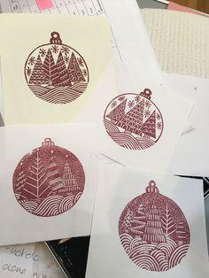 christmas printmaking Make a Simple Christmas Card - Magenta Sky Homemade Christmas Cards, Noel Christmas, Handmade Christmas, Simple Christmas Cards, Christmas Music, Christmas Cookies, Impression Textile, Stamp Carving, Linoprint