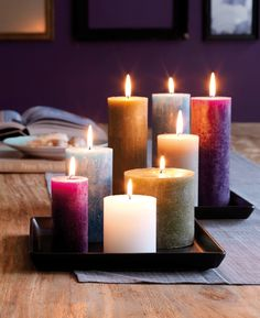 Love the colours of these candles Rustic Candles, Diy Candles, Pillar Candles, Chandeliers, Beautiful Candles, Candle Lanterns, Candle Art, Oil Lamps, Candle Making