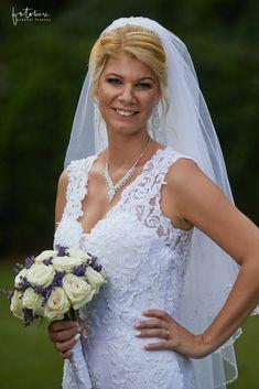 Esküvő a Forster vadászkastélyban standup-al! - Esküvői fotós, Esküvői fotózás, fotobese Lace Wedding, Wedding Dresses, Ale, Fashion, Bride Dresses, Moda, Bridal Gowns, Alon Livne Wedding Dresses, Fashion Styles