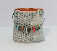 small porcelain vessel by bluedogceramics on Etsy. Love the use of colored chips… small porcelain vessel by bluedogceramics on Etsy. Love the use of colored chips on the handle. Hand Built Pottery, Slab Pottery, Pottery Vase, Ceramic Pottery, Thrown Pottery, Ceramic Clay, Ceramic Bowls, Porcelain Ceramics, Cerámica Ideas