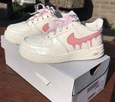 Shoes Sneakers, Shoes Heels, Nike Shoes, Air Force Sneakers, Nike Air Force, Shoe Closet, Sock Shoes, Baskets, Sneaker Women
