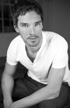 Benedict Cumberbatch > wow...I almost didn't recognise him. > I completely lost my train of thought....