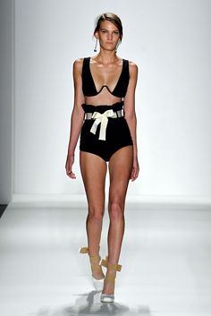Ringmaster Paperbag Bikini, Black. Elastic Cross Ballerina Heel, White. Napolean Earring, Smokey.