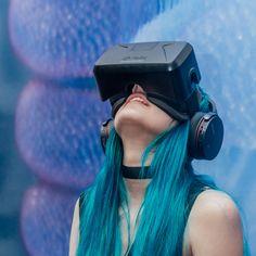 girl jacked into Oculus
