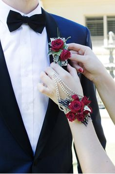 Old Hollywood Inspired Wrist Corsage | www.fbdesign.com.au C… | Flickr