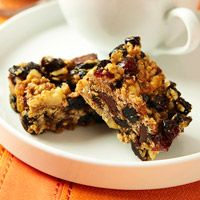 Weekend project: Make your own snacks with this Oh-So-Good Granola Bar recipe: http://fitm.ag/QtgGYE