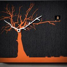 """Le lancette diventano rami di un albero su cui è appollaiato un uccellino cucù.   Non solo un orologio, ma un bel quadro che arreda e tiene il tempo.  È esposto nell'importante mostra itinerante """"Collezione Farnesina Design"""", patrocinata dal Ministero degli Esteri per promuovere il made in Italy nel mondo. Design di Riccardo Paolino e Matteo Fusi. Da oggi è su http://lovli.it/index.php/cucuruku.html#"""