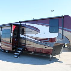 This 2020 Vanleigh Beacon 42RDB Fifth Wheel is FIT FOR A KING!  It features full body paint, hardwood cabinets & appointments, plush furniture, & more... Indiana RV Dealer