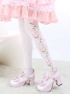 Being the most beautiful Lolita princess, Milanoo Lolitashow White Floral Print Synthetic Lolita Socks couples with sweet styles and comfortable materials at affordable prices.