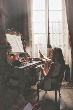 in my house relax Film Noir Fotografie, Yennefer Of Vengerberg, Mood, Belle Photo, Retro, Character Inspiration, Writing Inspiration, Morning Inspiration, Style Inspiration