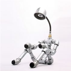 Robot lights made of steel pipe Pipe Lighting, Industrial Lighting, Led Art, Galvanized Pipe, Do It Yourself Furniture, Diy Pipe, I Love Lamp, Creation Deco, Light Design