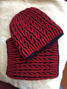 Red&Navy Blue Brioche Knitting