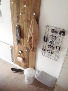 Hallway wood wall knobs