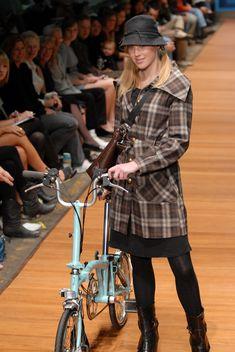 Bike Fashion Brompton is awesome!