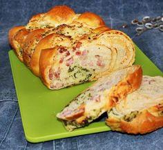 Egy finom Túrós-sonkás-medvehagymás fonott kalács ebédre vagy vacsorára? Túrós-sonkás-medvehagymás fonott kalács Receptek a Mindmegette.hu Recept gyűjteményében!