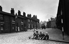 """""""Los chicos en las calles""""   Foto de Kurt Hutton."""