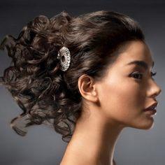 Acconciature sposa capelli corti e ricci