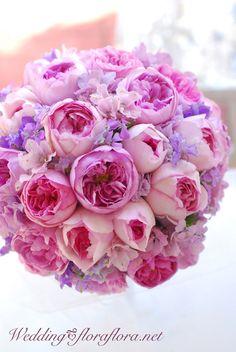 香りのラウンドブーケ イブミオラ,ピンクイブピアチェ 10月連休の月曜日に : FLORAFLORA*precious flowers*ウェディングブーケ会場装花&フラワースクール*