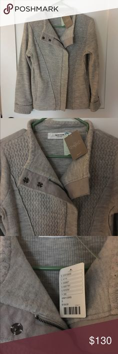 NWT Sparrow gray wool coat from Anthropologie Light gray, cozy knit jacket from Anthropologie! Super cute and comfortable. Easy to move in. Anthropologie Jackets & Coats