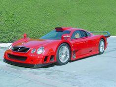 Rating and specs of Mercedes-Benz CLK GTR AMG Super Sport - top speed 346 kph, power 664 hp. Mercedes Auto, Mercedes Benz Autos, Lamborghini, Ferrari, Maserati, Super Sport Cars, Super Cars, Mercedez Benz, Weird Cars