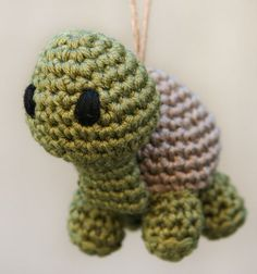 Amigurumi tortoise    original pattern...    http://rockin4god.com/2011/05/pete-and-repeat/