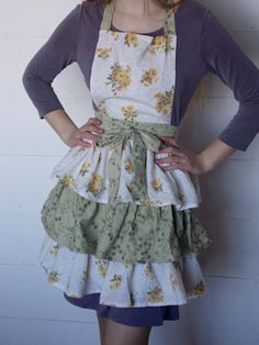 Ladies Triple Tiered Apron Made From Vintage by Vintage Sheets, Aprons, Hand Sewing, Content, Lady, Fabric, Fashion, Apron, Tejido