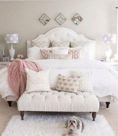 ELEGANTES DORMITORIOS CON ACCESORIOS DECORATIVOS ADECUADOS Hola Chicas!!! La mayoría de la mujeres nos gustaría tener un dormitorio elegante y lindo, a continuacion te dejo una galería de fotografías con decoracion super bonitas para que tengas una idea de cómo la puedes hacer, es sumamente importante que dediques tiempo en seleccionar los accesorios decorativos para tu dormitorio, y recuerda menos es más