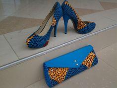 Chaussures imprimés africains et sac à main. African cire classiques, tissu africain, africains chaussures, Ankara chaussures, talons, chaussures plates, motifs africains, embrayage.