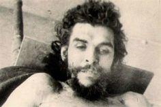 El misionero español que guardaba fotos inéditas del cadáver del Che Guevara - Cuaderno de Historias