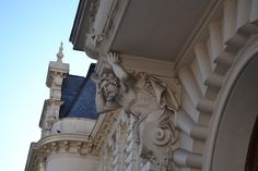 Lion Sculpture, Statue, Photos, Buenos Aires, Palaces, Architects, Doors, Cities, Pictures