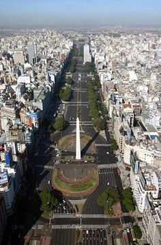 Still the widest ave. in the world i think. Visit Argentina, Argentina Travel, Argentine Buenos Aires, Wonderful Places, Beautiful Places, Argentina Culture, Fantasy Places, Tourist Places, Landscape Photos