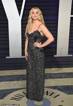 Chloe Grace Moretz opts for gothic glamour at Vanity Fair Oscars bash   Daily Mail Online Good Poses, Chloe Grace Moretz, Old Actress, Celebs, Celebrities, Vanity Fair, Red Carpet, Strapless Dress, Glamour