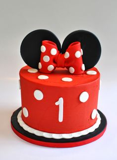 Minnie Mouse Smash Cake, Hope's Sweet Cakes, hopessweetcakes.com