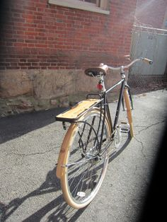 Linus Roadster with bamboo grips, fenders and rear rack from Portland Design Works.